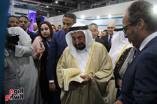 الشيخ سلطان القاسمى فى معرض الكتاب (49)