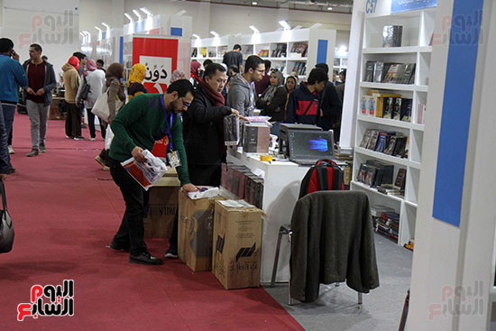 الناشرون يستعدون لمغادرة معرض القاهرة  (6)