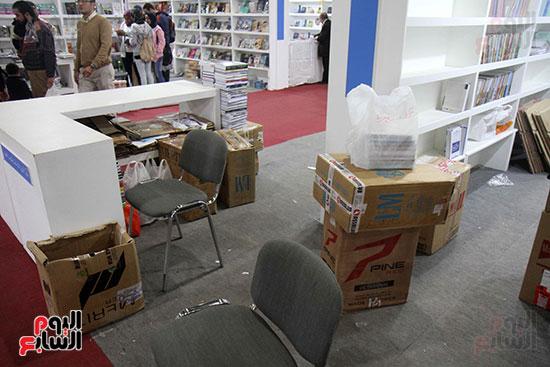 الناشرون يستعدون لمغادرة معرض القاهرة  (5)