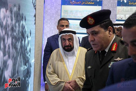 الشيخ سلطان القاسمى فى معرض الكتاب (39)