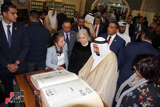 الشيخ سلطان القاسمى فى معرض الكتاب (14)