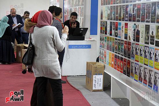 الناشرون يستعدون لمغادرة معرض القاهرة  (7)