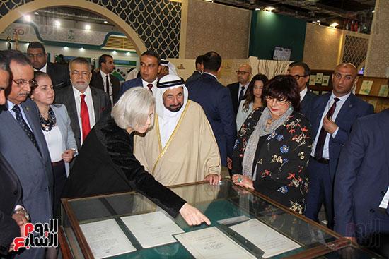 الشيخ سلطان القاسمى فى معرض الكتاب (15)