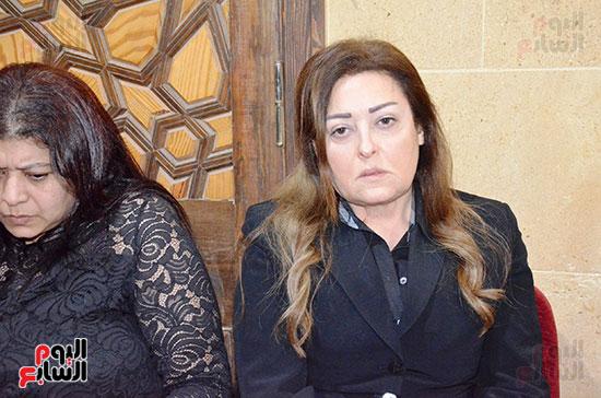 عزاء والدة الفنانة نهال عنبر (52)