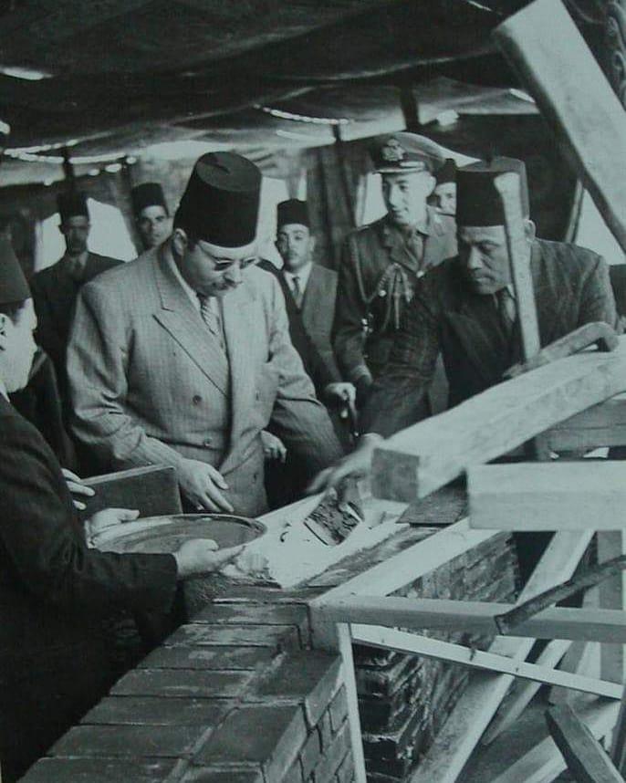 الملك فاروق يضع حجر الأساس لمشروع تقوية خزان أسوان