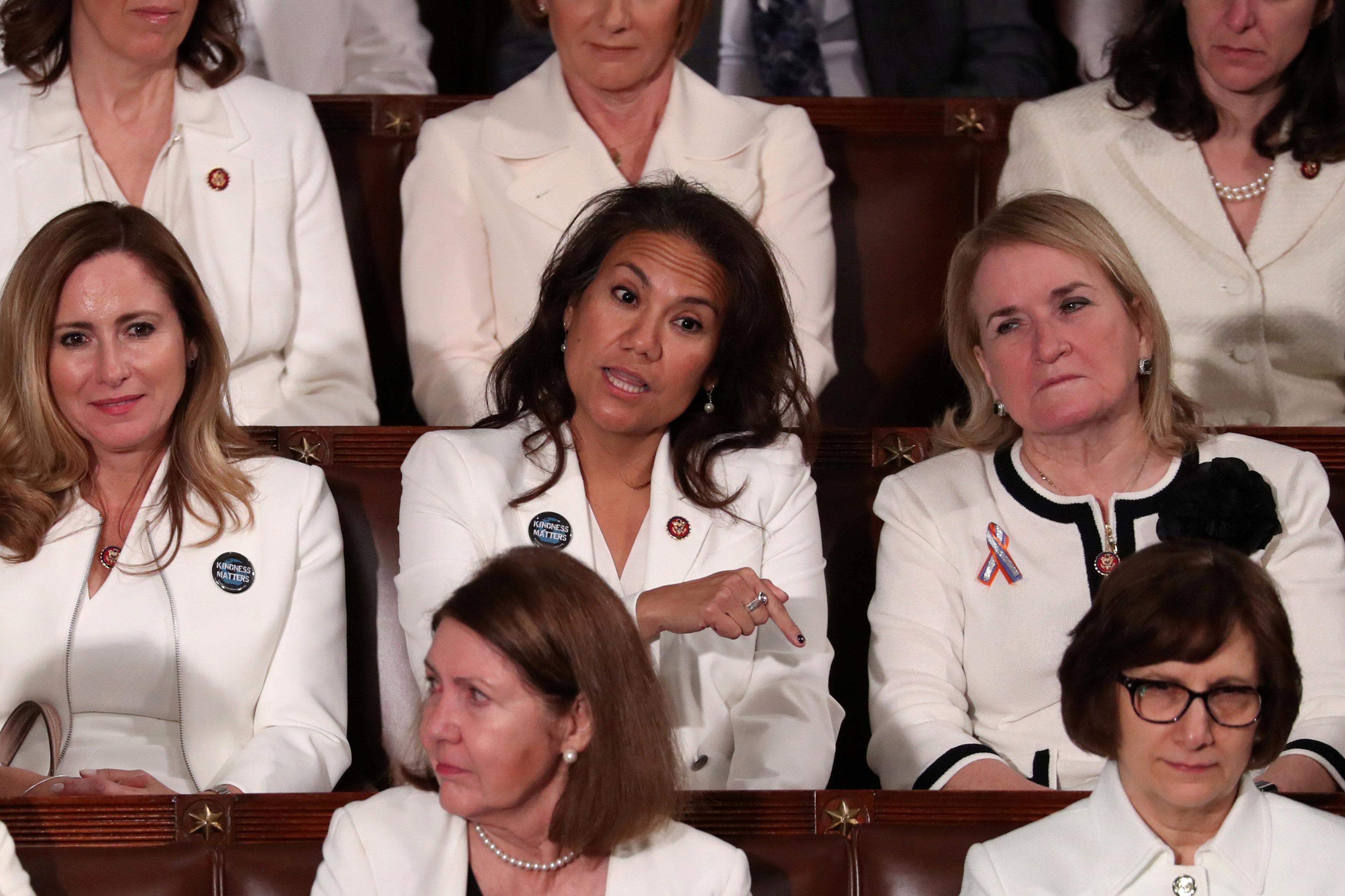 عدد من عضوات الكونجرس