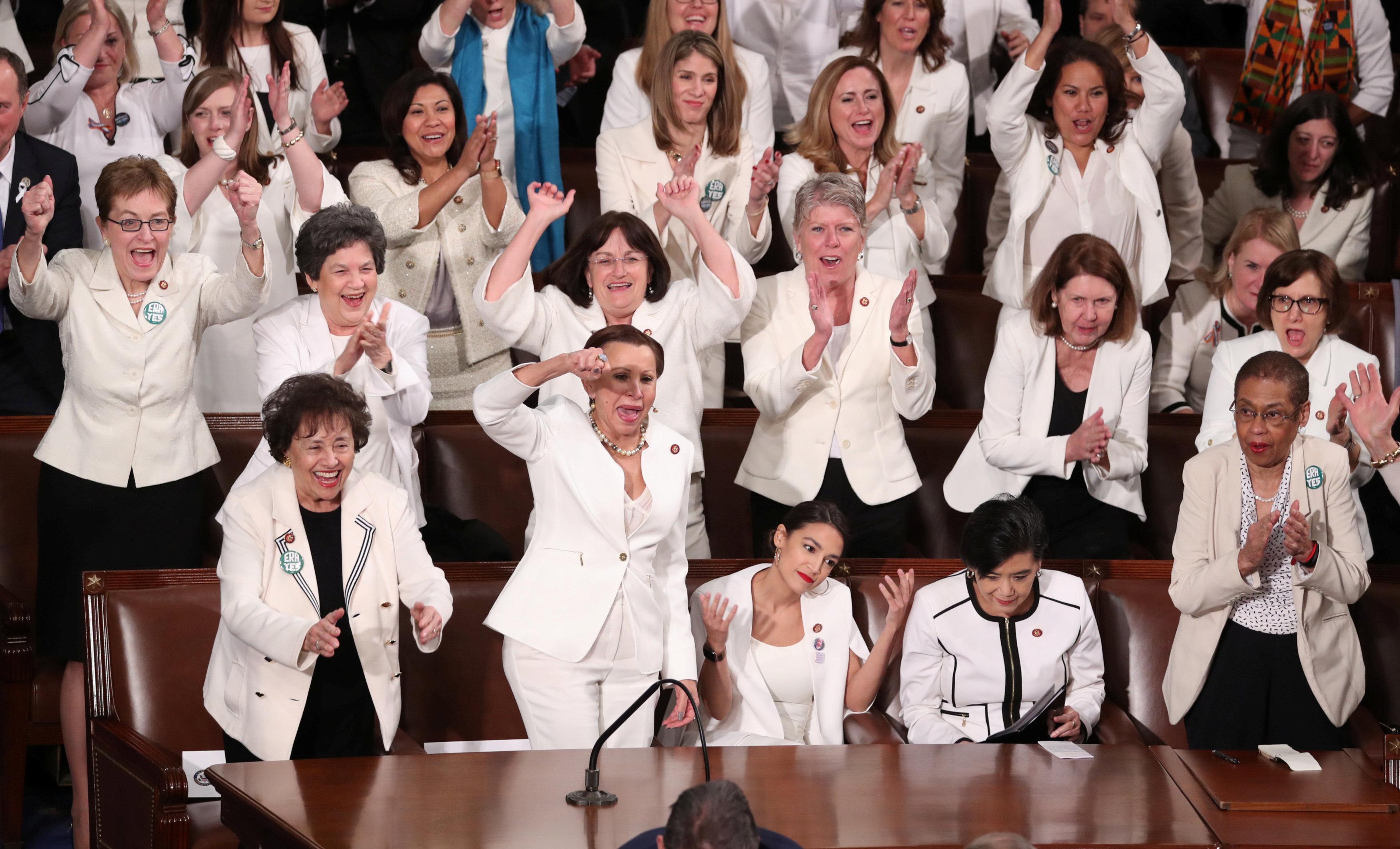 عضوات ديمقراطيات بمجلس النواب