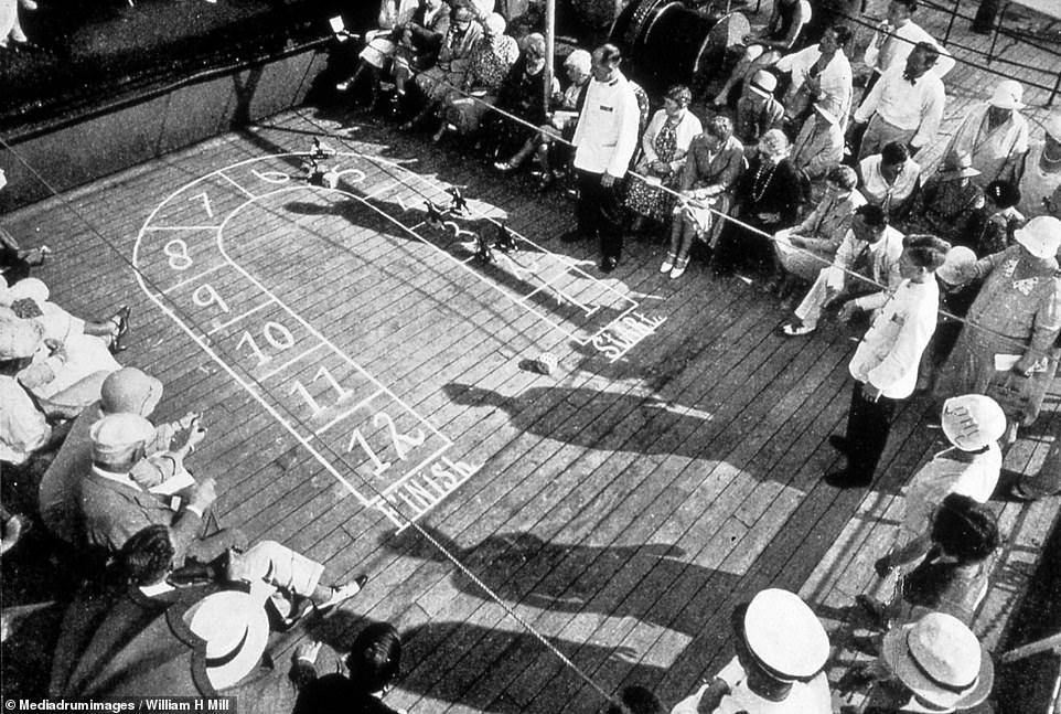 الألعاب على سطح السفينة ما بين عام 1920 إلى 1930