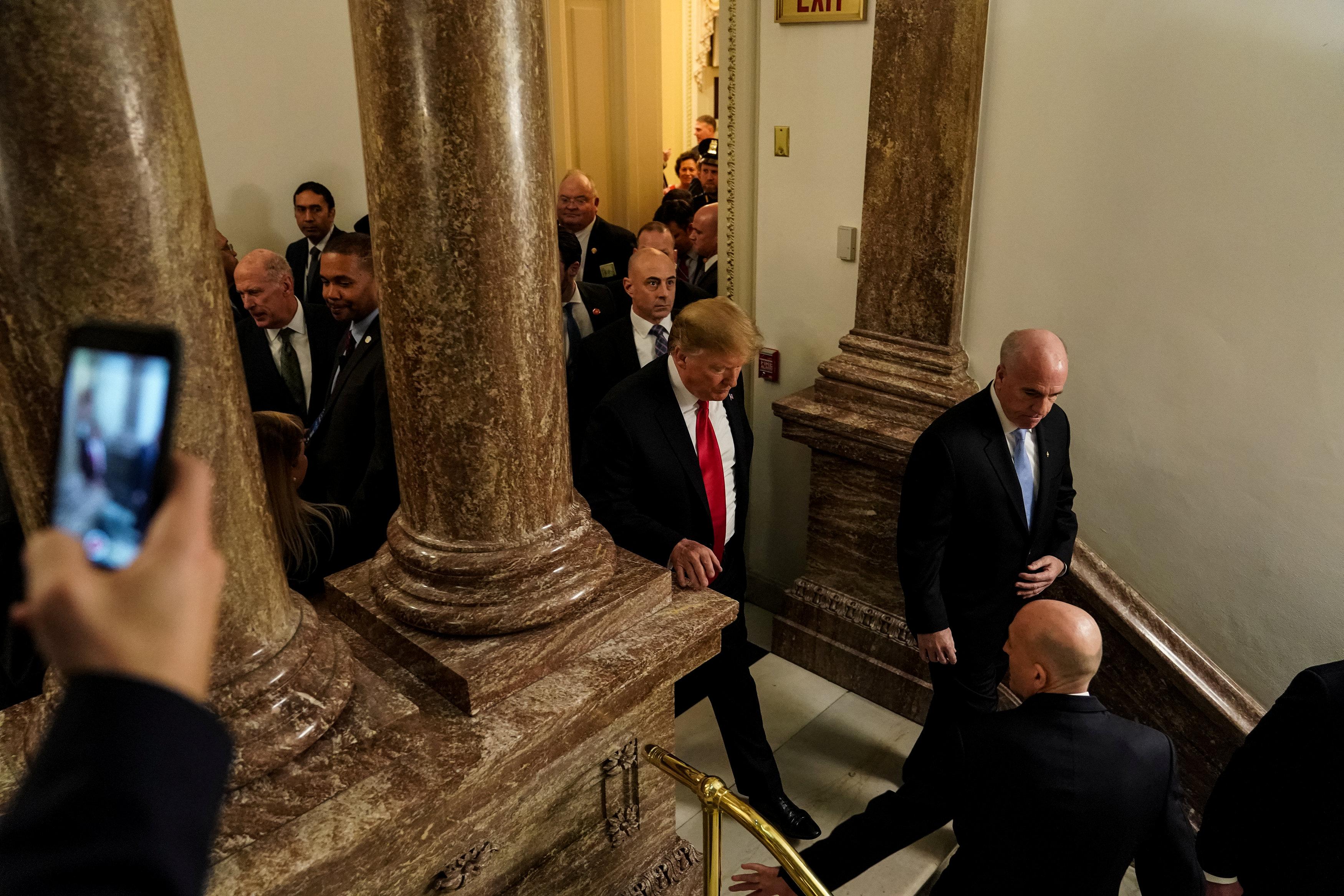ترامب يخرج من الكونجرس