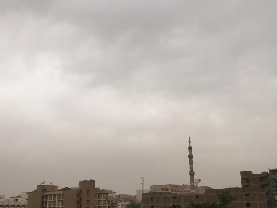 سوء حالة الطقس والغيوم توقف حركة الطيران والبالون الطائر ومحافظة الأقصر ترفع حالة الطوارئ (1)