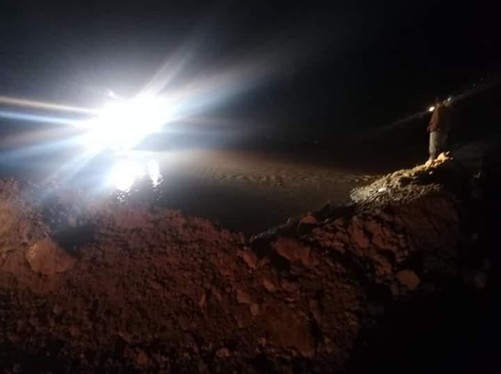 سقوط أمطار رعدية غزيرة وثلوج على رأس غارب وإغلاق طريق الزعفرانة (2)