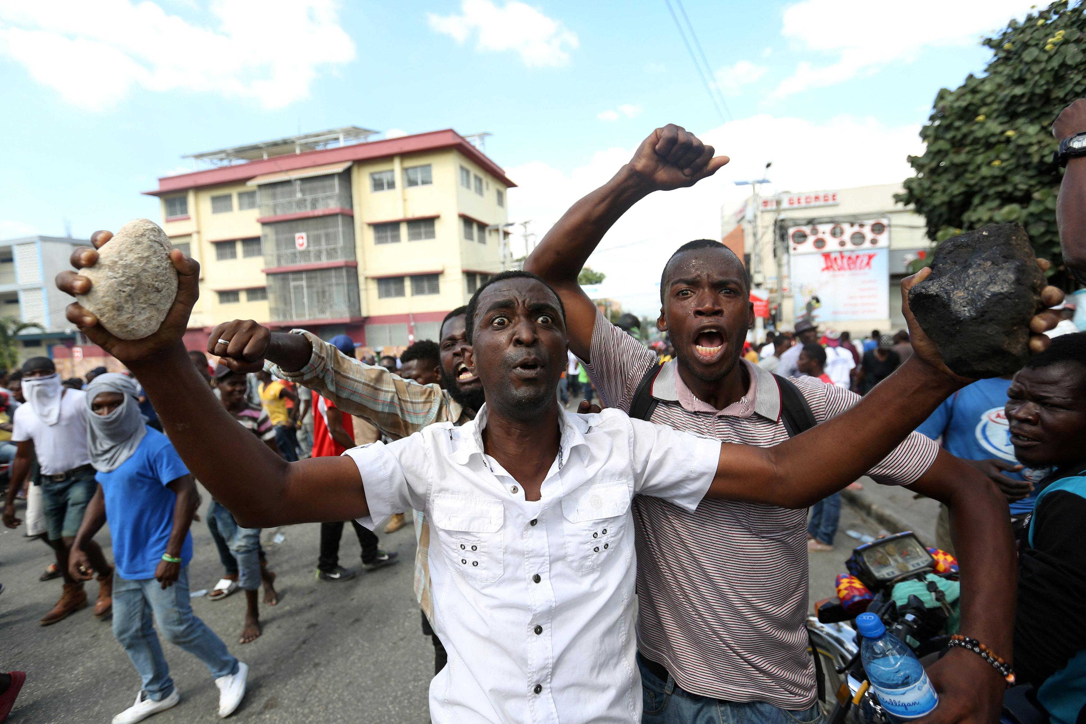 مظاهرات عنيفة فى هايتى بسبب الفساد (3)