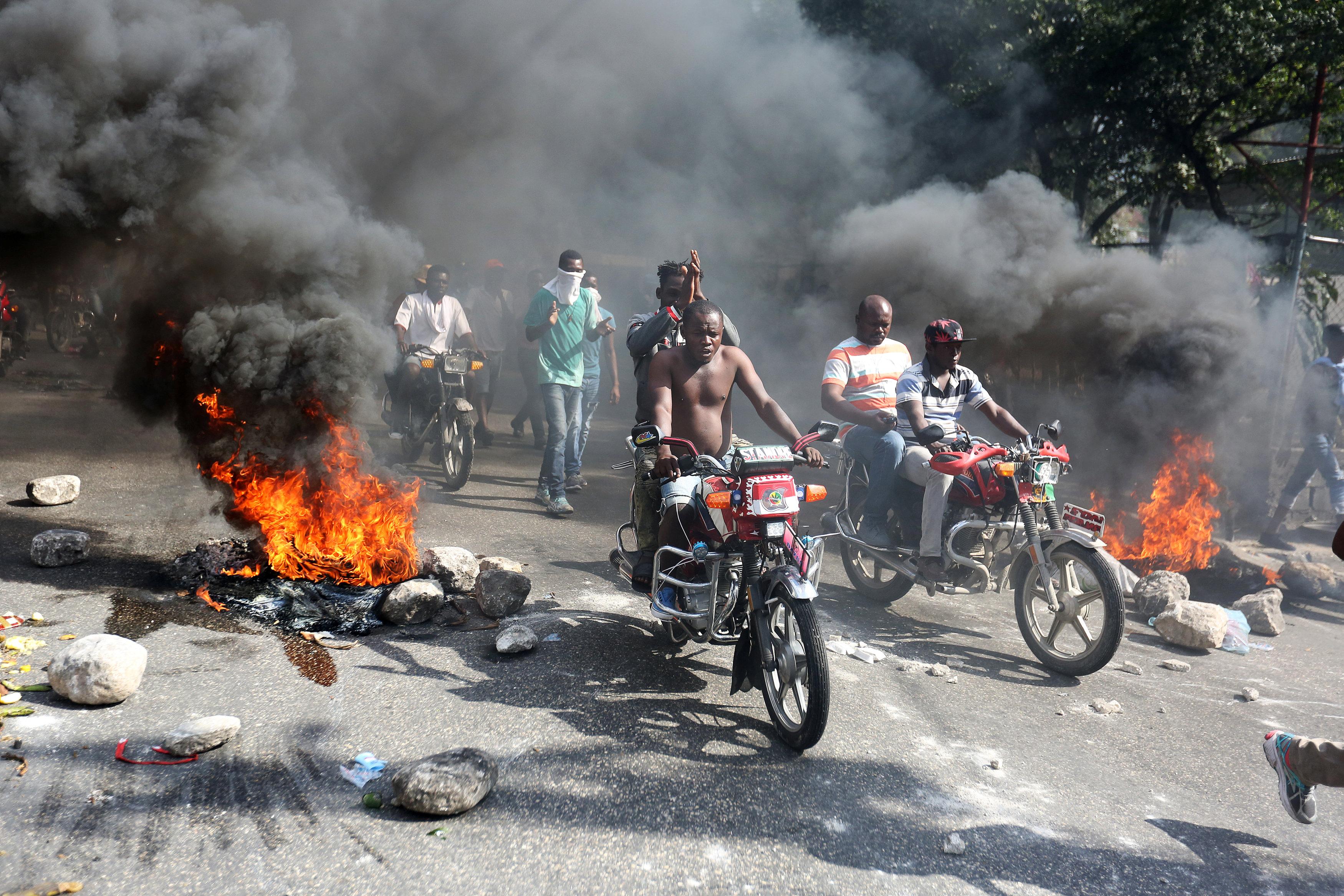 مظاهرات عنيفة فى هايتى بسبب الفساد (6)