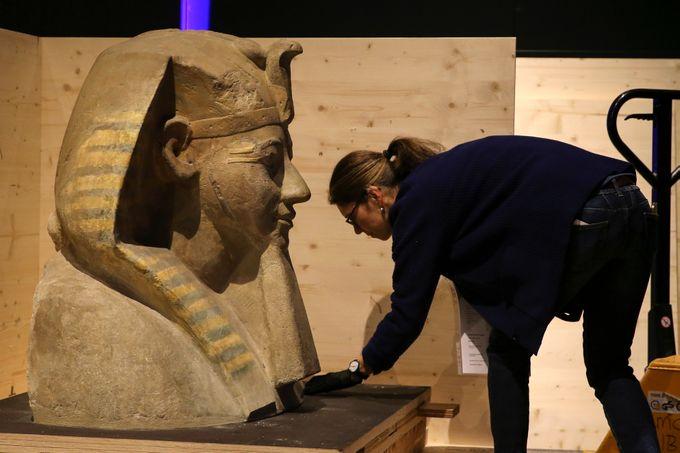 تمثال نصفى للملكة حتشبسوت