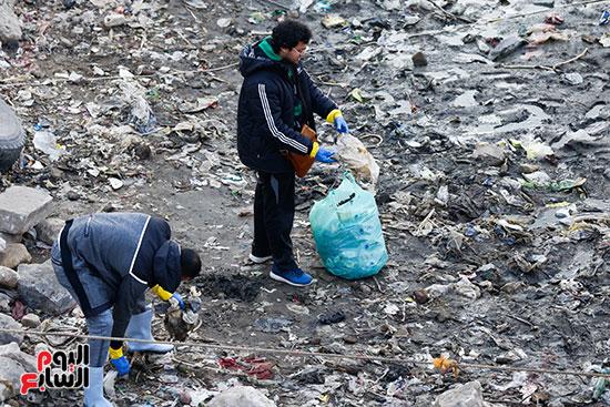 وزيرة البيئة تطلق حملة لتنظيف نهر النيل من المخلفات خاصة البلاستيكية (71)
