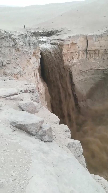 الأمطار الغزيرة فى تشيلى (4)