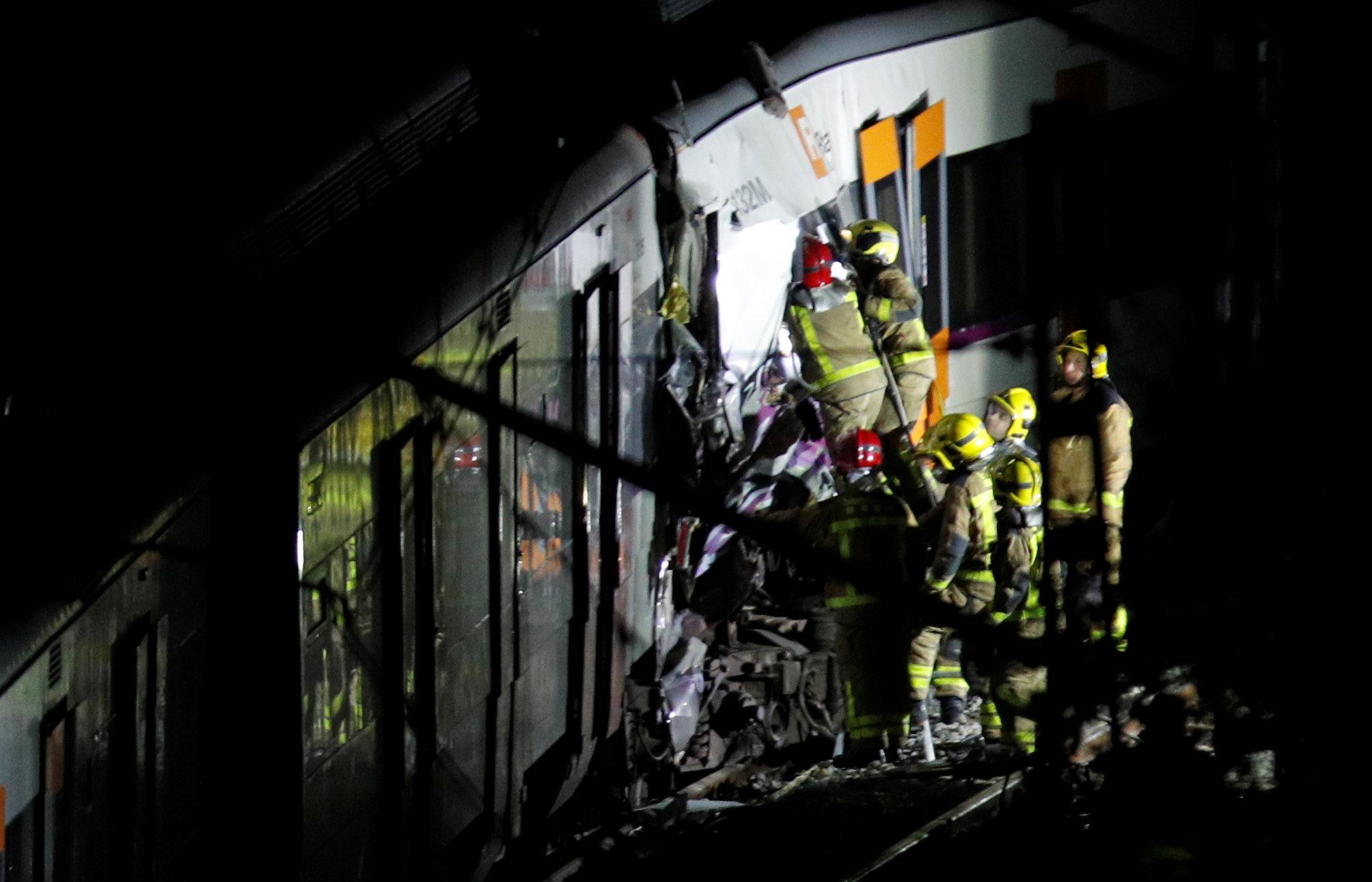 حادث تصادم قطارين بإسبانيا (5)