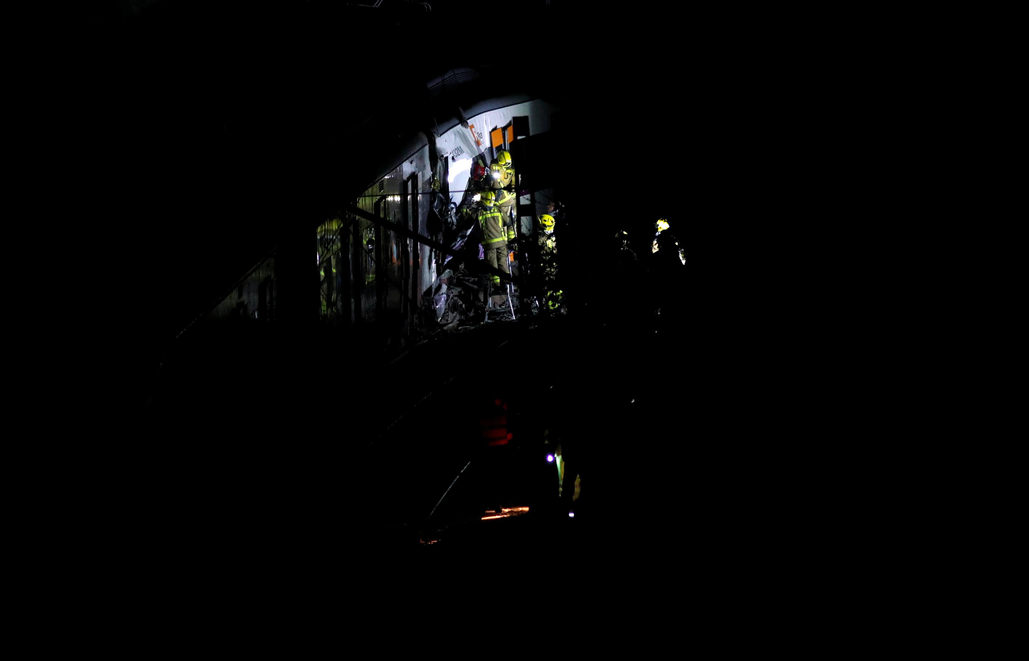 حادث تصادم قطارين بإسبانيا (6)