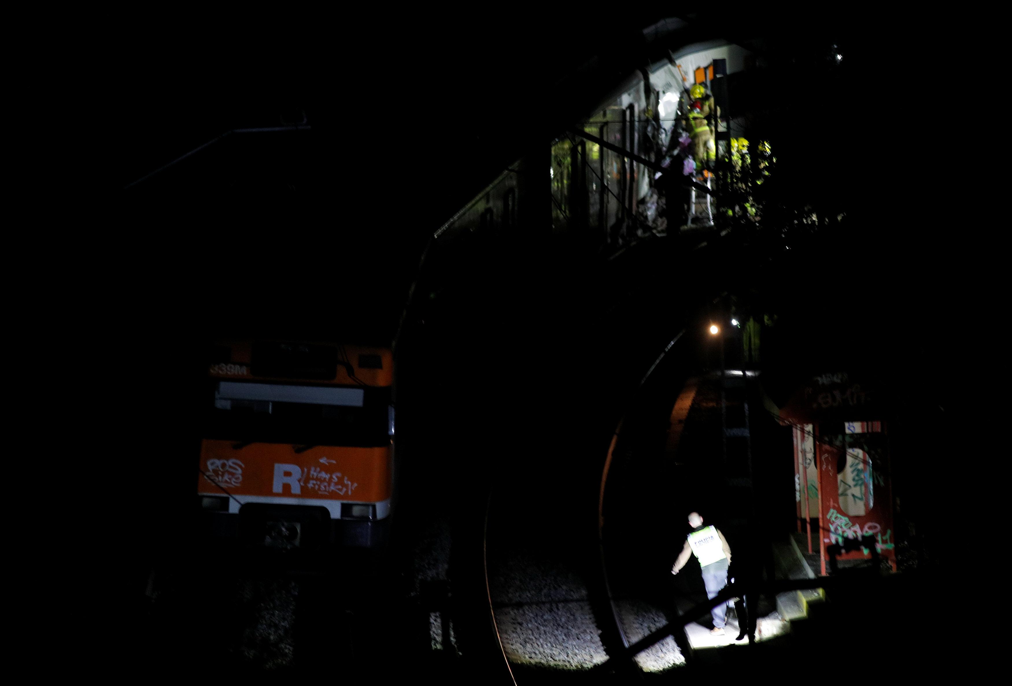 حادث تصادم قطارين بإسبانيا (7)