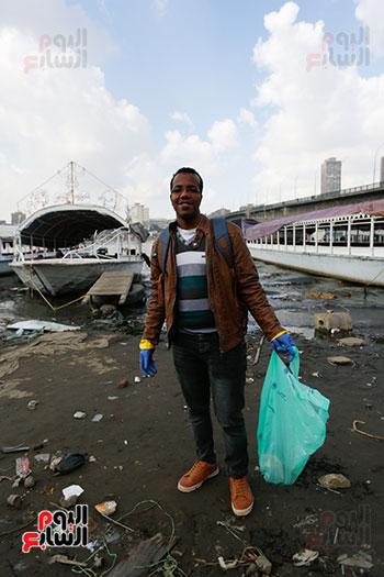 وزيرة البيئة تطلق حملة لتنظيف نهر النيل من المخلفات خاصة البلاستيكية (61)