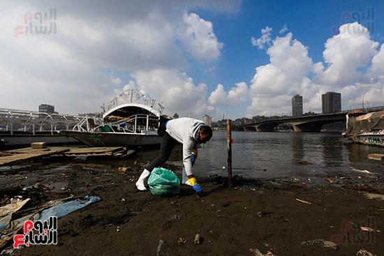 وزيرة البيئة تطلق حملة لتنظيف نهر النيل من المخلفات خاصة البلاستيكية (53)