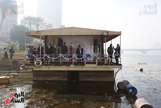 وزيرة البيئة تطلق حملة لتنظيف نهر النيل من المخلفات خاصة البلاستيكية (15)