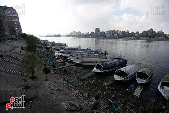وزيرة البيئة تطلق حملة لتنظيف نهر النيل من المخلفات خاصة البلاستيكية (66)
