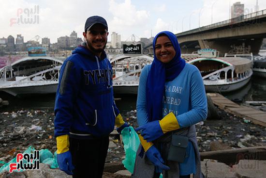 وزيرة البيئة تطلق حملة لتنظيف نهر النيل من المخلفات خاصة البلاستيكية (64)