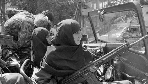 المرأة الإيرانية فى الثورة