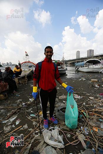 وزيرة البيئة تطلق حملة لتنظيف نهر النيل من المخلفات خاصة البلاستيكية (59)