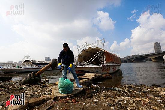 وزيرة البيئة تطلق حملة لتنظيف نهر النيل من المخلفات خاصة البلاستيكية (55)