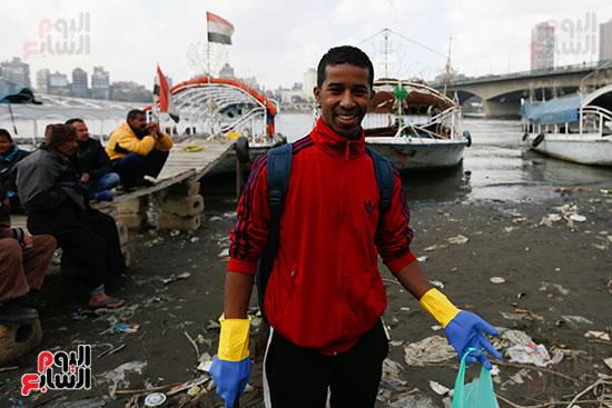 وزيرة البيئة تطلق حملة لتنظيف نهر النيل من المخلفات خاصة البلاستيكية (58)