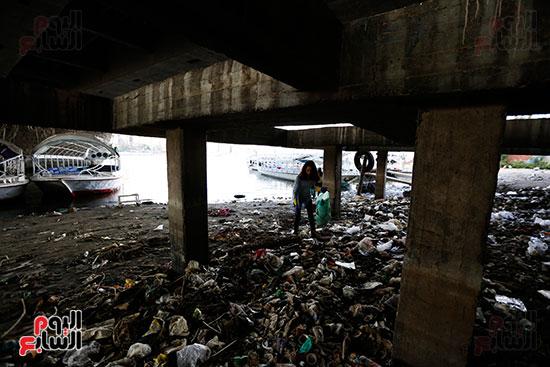 وزيرة البيئة تطلق حملة لتنظيف نهر النيل من المخلفات خاصة البلاستيكية (80)