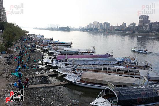 وزيرة البيئة تطلق حملة لتنظيف نهر النيل من المخلفات خاصة البلاستيكية (75)