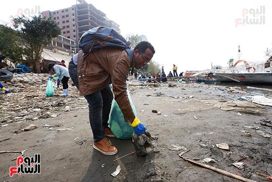 وزيرة البيئة تطلق حملة لتنظيف نهر النيل من المخلفات خاصة البلاستيكية (50)