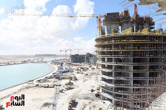 رئيس الوزراء يتفقد المشروعات التنموية بمدينة العلمين الجديدة (9)