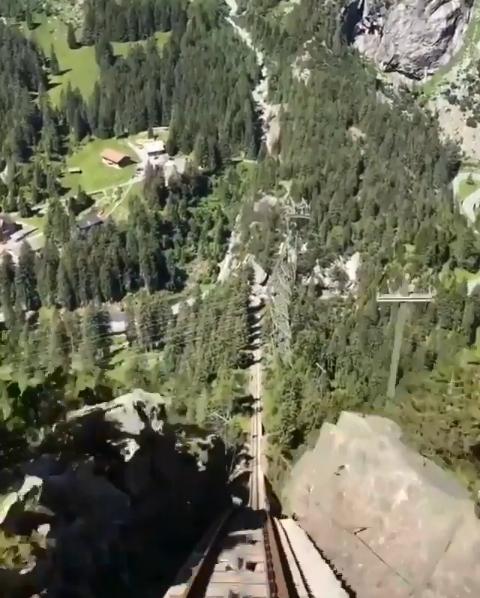 سويسرا تملك أكثر القطارات انحدارا فى اوروبا