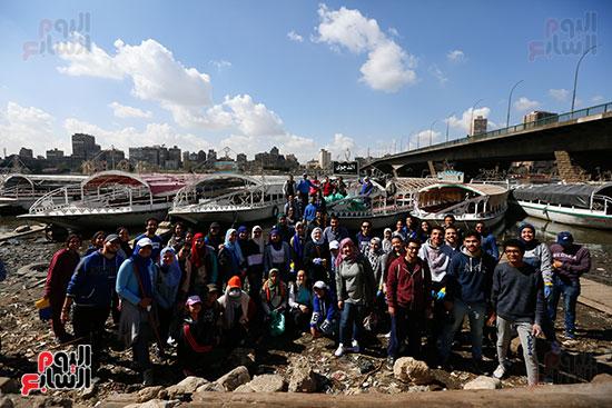وزيرة البيئة تطلق حملة لتنظيف نهر النيل من المخلفات خاصة البلاستيكية (92)