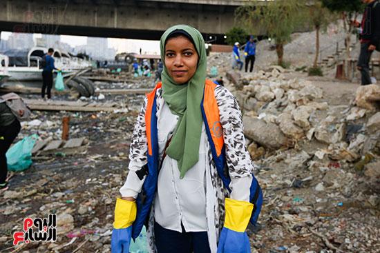وزيرة البيئة تطلق حملة لتنظيف نهر النيل من المخلفات خاصة البلاستيكية (62)