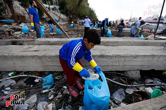 وزيرة البيئة تطلق حملة لتنظيف نهر النيل من المخلفات خاصة البلاستيكية (84)