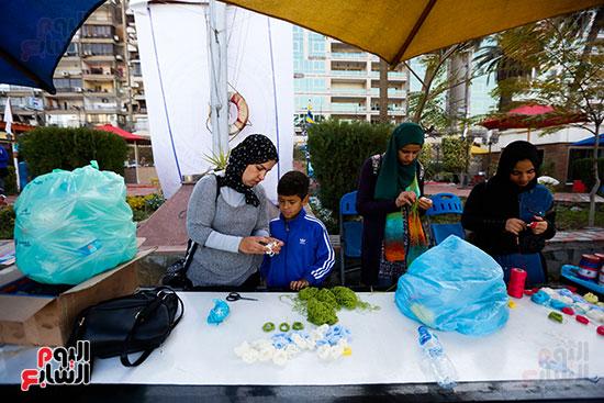 وزيرة البيئة تطلق حملة لتنظيف نهر النيل من المخلفات خاصة البلاستيكية (8)