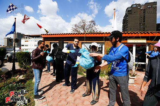 وزيرة البيئة تطلق حملة لتنظيف نهر النيل من المخلفات خاصة البلاستيكية (98)