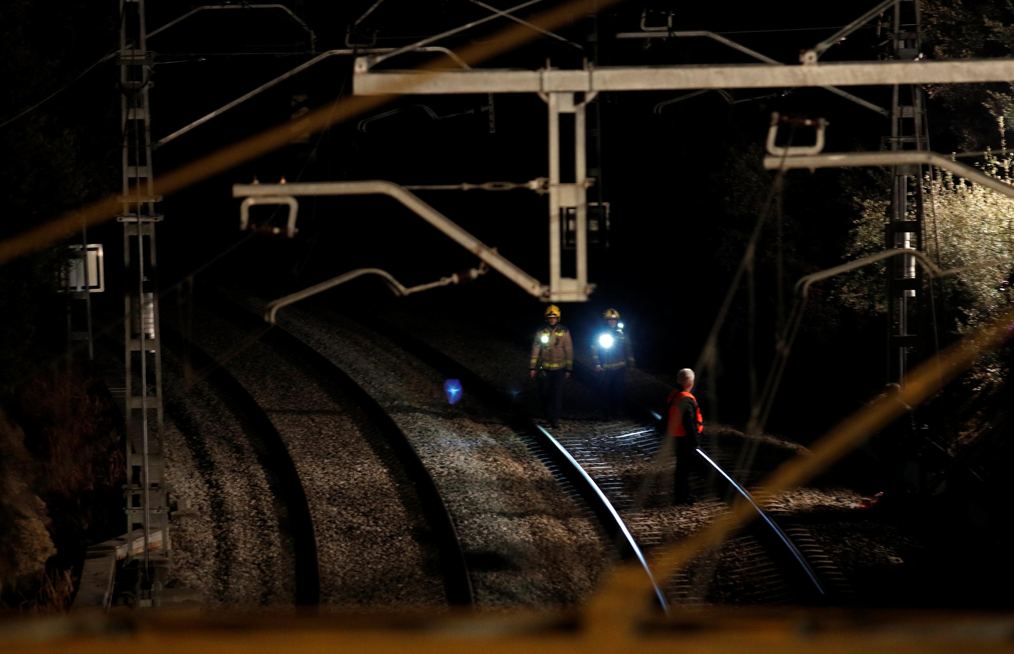 حادث تصادم قطارين بإسبانيا (1)