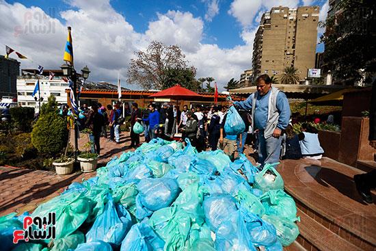 وزيرة البيئة تطلق حملة لتنظيف نهر النيل من المخلفات خاصة البلاستيكية (99)