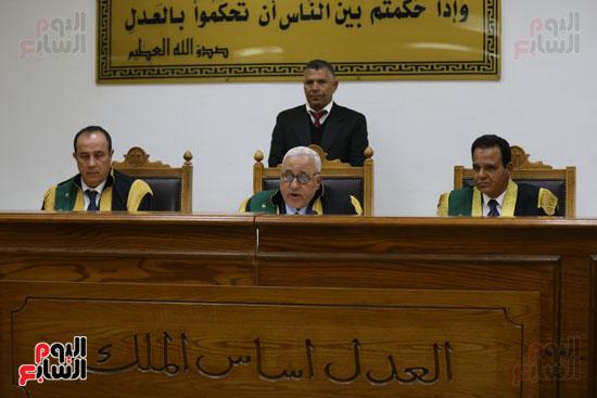 محاكمة 44 متهما بتهمة الانضمام لتنظيم داعش (4)
