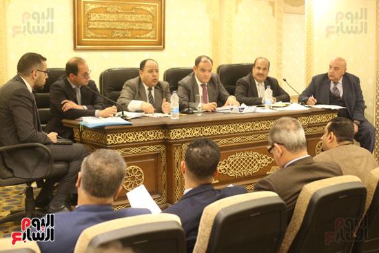 اللجنة الاقتصادية (1)