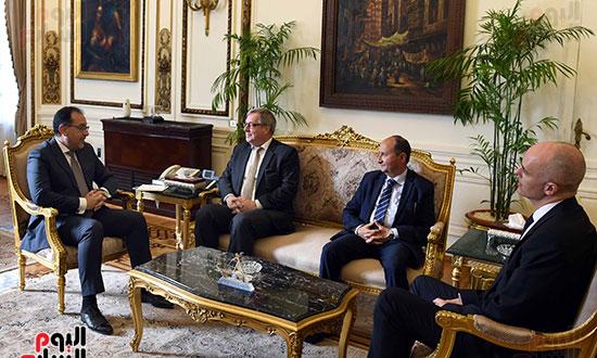 مدبولى يلتقى رئيس عمليات منطقة الشرق الأوسط وأفريقيا فى شركة بوش الألمانية (1)