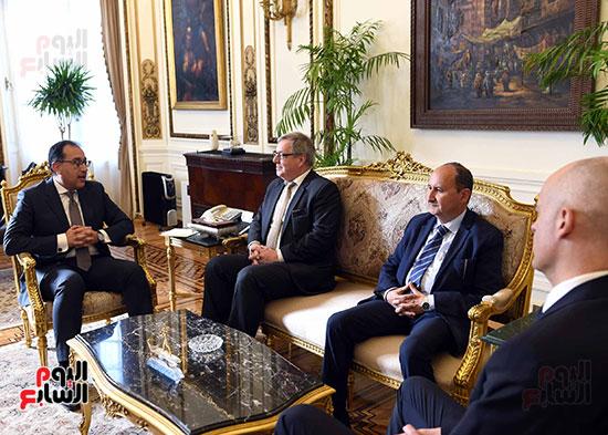مدبولى يلتقى رئيس عمليات منطقة الشرق الأوسط وأفريقيا فى شركة بوش الألمانية (3)
