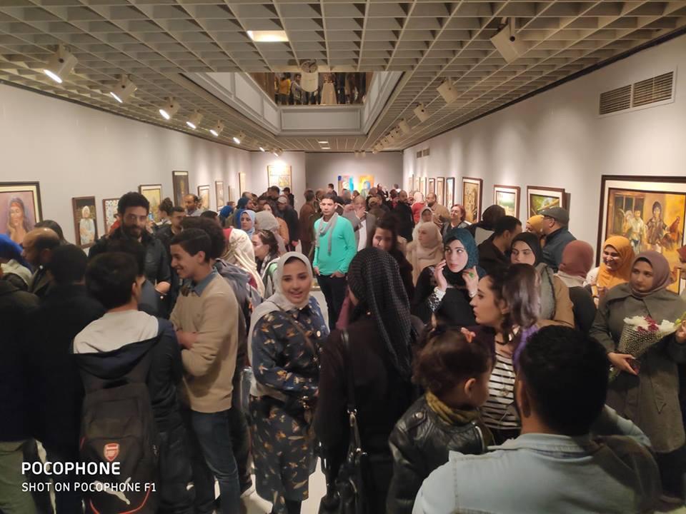 جانب من الحضور بمعرض تراثنا.. رسالة إلى الماضى بدار الأوبرا المصرية (2)