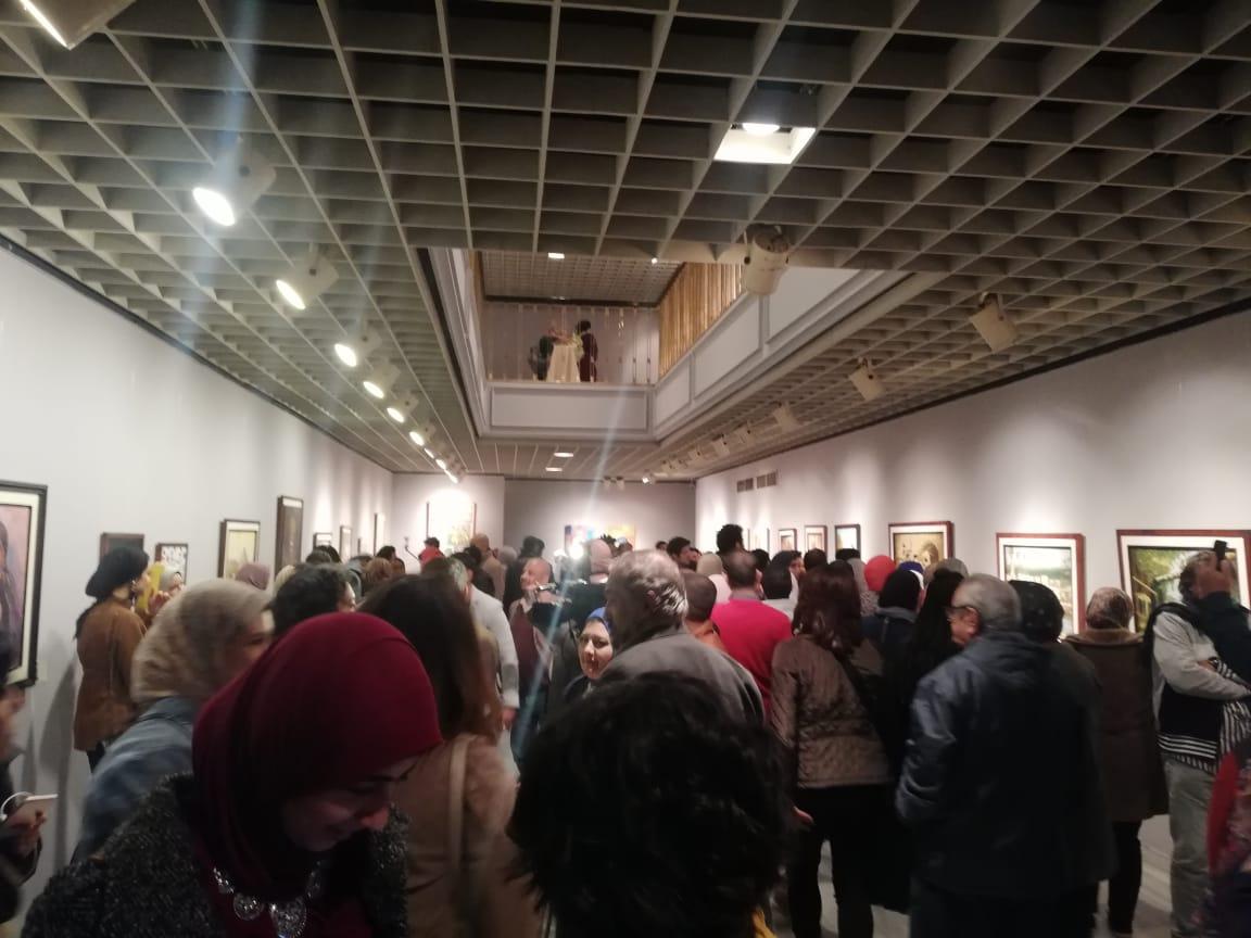 جانب من الحضور بمعرض تراثنا.. رسالة إلى الماضى بدار الأوبرا المصرية (3)